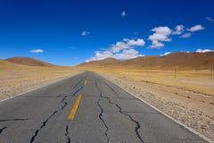 Облака и дорога Тибета красивые Стоковая Фотография