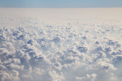 Облака как увиденное до конца окно воздушного судна Стоковая Фотография RF