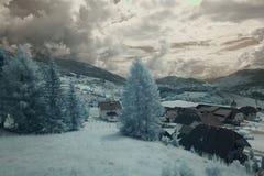 Облака над ландшафтом в инфракрасном Стоковое Фото