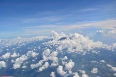 Облака над горами стоковые фотографии rf