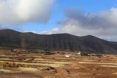 Облака над горой и пустыней Стоковое Изображение RF