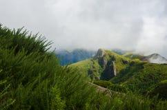 Облака над красивыми холмами Мадейрой Стоковая Фотография