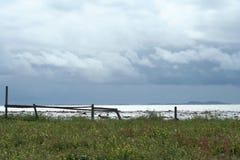 Облака над морем, живая природа северная Стоковые Изображения