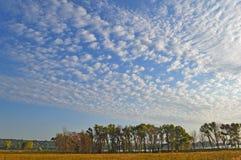 Облака на небе стоковое фото