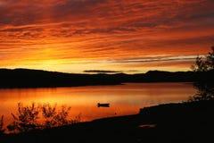 Облака над озером горы Стоковое Изображение
