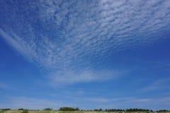Облака над пляжем Стоковое Изображение