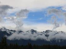 Облака над Valemount ДО РОЖДЕСТВА ХРИСТОВА Стоковая Фотография RF