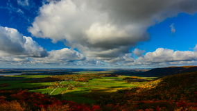 Облака осени в долине видеоматериал