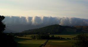 Облака свертывая внутри, ландшафты северной Испании Стоковое Изображение