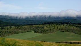 Облака свертывая внутри, ландшафты северной Испании Стоковые Изображения RF