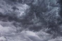 Облака темноты зловещие Стоковое фото RF