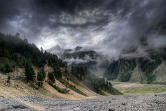 Облака шторма над горами ladakh, Джамму и Кашмир, Индии Стоковая Фотография RF