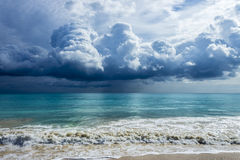 Облака шторма на Waimanalo Стоковое Фото