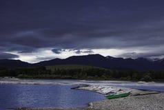 Облака шторма над озером Стоковое Фото