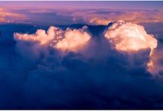 Облака яркий рассвет утра в небе Стоковые Фото