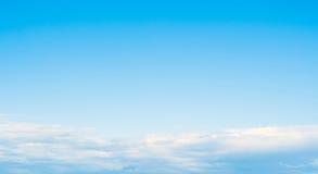 Облака ясности атмосферы неба стоковая фотография rf