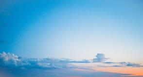 Облака ясности атмосферы неба стоковые изображения rf