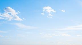 Облака ясности атмосферы неба стоковое изображение rf