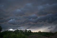 Облака Horrifine двигая впереди шторма Стоковое Изображение RF