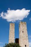 Облако над башнями San Gimignano, Италия Стоковые Фото