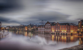 Облако & река Стоковые Изображения