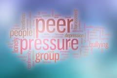 Облако слова давления со стороны сверстников с абстрактной предпосылкой Стоковое Изображение RF