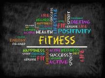 Облако слова фитнеса, фитнес, спорт, концепция здоровья на chalkboar Стоковое Фото