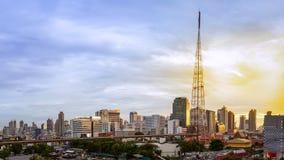 Область Бангкока города организации бизнеса городского пейзажа и tran MRT поезда Стоковые Фотографии RF
