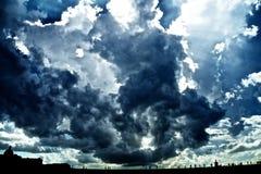 Облачное небо стоковое изображение