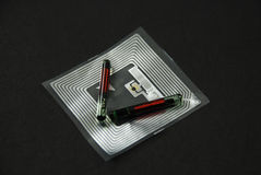 Обломоки и бирки RFID Стоковая Фотография RF