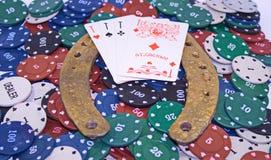 Обломоки, карточки, золотая подкова Стоковое Изображение