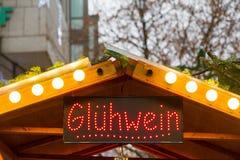 Обдумыванная будочка вина в Мюнхене стоковые фото
