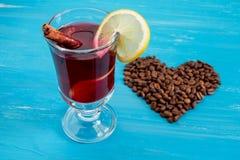 Обдумыванные вино и сердце Стоковое Изображение RF