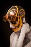 Облыселая девушка с искусством составляет и стеклами steampunk Стоковые Фото