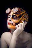 Облыселая девушка с искусством составляет и стеклами steampunk Стоковая Фотография RF