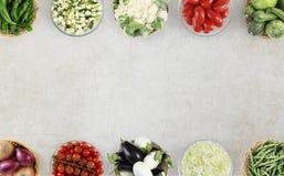 Овощи взгляд сверху еды на мраморном worktop кухни, сети Стоковые Изображения RF