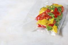 Овощи в загерметизированных сумках упаковки вакуума варить Su-видео Стоковые Изображения