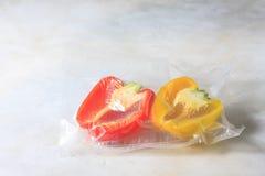 Овощи в загерметизированных сумках упаковки вакуума варить Su-видео Стоковое Фото