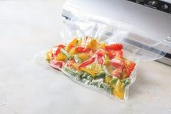 Овощи в загерметизированных сумках упаковки вакуума варить Su-видео Стоковое Изображение