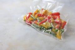 Овощи в загерметизированных сумках упаковки вакуума варить Su-видео Стоковые Изображения RF