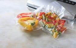 Овощи в загерметизированных сумках упаковки вакуума варить Su-видео Стоковая Фотография RF