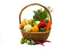 Овощи в корзине. Стоковые Изображения