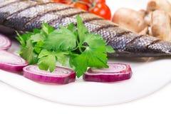 овощи зажженные рыбами Стоковые Изображения