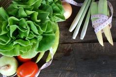 Овощи, здоровое питание на старом деревянном поле Стоковая Фотография RF