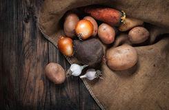 Овощи на древесине Био здоровая еда, травы и специи Стоковая Фотография