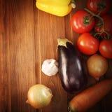 Овощи на таблице Стоковые Изображения RF