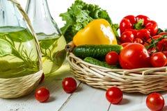 овощи оливки масла бутылки Стоковая Фотография