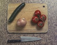 Овощи подготавливают быть прерванным стоковая фотография