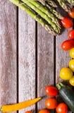 Овощи предпосылки на деревянной предпосылке Стоковое Изображение RF