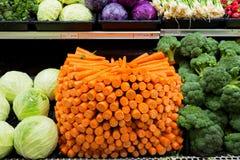овощи продуктов свежего рынка земледелия Славная организованная морковь Стоковое Фото